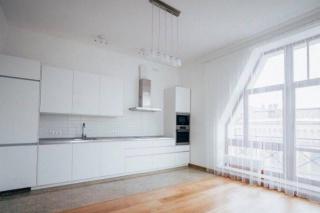 сдать стильную авторскую 4-комнатную квартиру С-Петербург