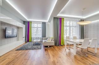 сдать авторскую 3-комнатную квартиру в центре С-Петербург
