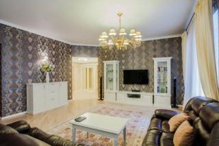 снять элитную 4-комнатную квартиру в центре Санкт-Петербург