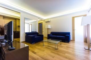 арендовать просторную 3-комнатную квартиру в самом центре С-Петербург