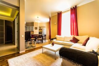 стильная 4-комнатная квартира в аренду в самом центре С-Петербург