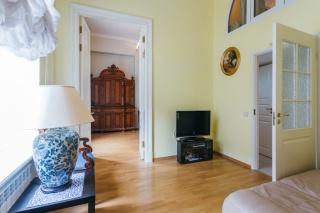 классическая 3-комнатная квартира в аренду в самом центре Санкт-Петербурга