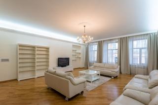 стильная 5-комнатная квартира в аренду в самом центре С-Петербург