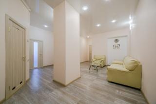 новая 3-комнатная квартира в аренду в историческом центре С-Петербург