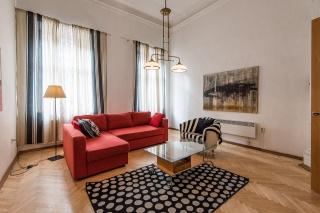 2-комнатная квартира в современном стиле в аренду в самом центре С-Петербург