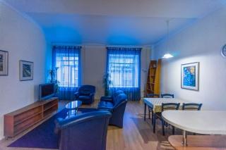 современная 3-комнатная квартира в аренду в центре С-Петербург