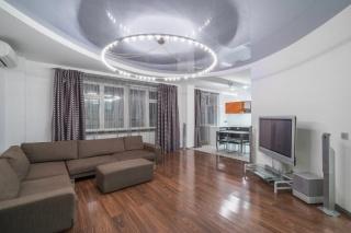 аренда стильной 3-комнатной квартиры с паркингом Санкт-Петербург