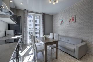 авторская 1-комнатная квартира с балконом в аренду в центре С-Петербург