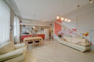 аренда авторской 3-комнатной квартиры в историческом центре С-Петербург