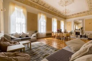 двухуровневая 2-комнатная квартира в аренду в центре С-Петербург