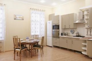 стильная 3-комнатная квартира в аренду в историческом центре С-Петербург