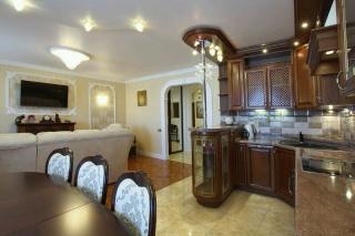 снять светлую 3-комнатную квартиру в Приморском районе С-Петербург