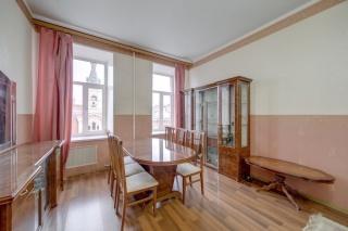 просторная 3-комнатная квартира в аренду в самом центре С-Петербург
