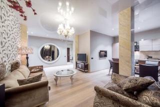 дизайнерская 3-комнатная квартира в аренду в элитном ЖК С-Петербург