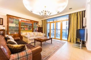 дизайнерская 4-комнатная квартира с балконом в аренду в Московском районе С-Петербург