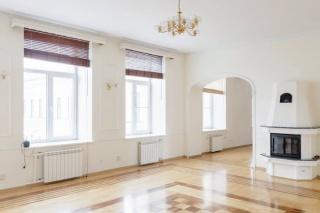 элитная 7-комнатная квартира без мебели в аренду в самом центре С-Петербург