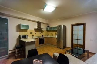 светлая просторная 2-комнатная квартира в аренду в историческом центре С-Петербург