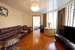 просторная 3-комнатная квартира в аренду в современном доме С-Петербург