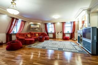 просторная элегантная 2-комнатная квартира в аренду в центре С-Петербург