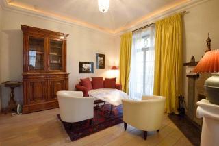 классический 4-комнатный дуплекс в аренду в центре С-Петербурга