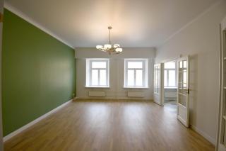стильная 5-комнатная квартира в аренду в самом центре С-Петербурга