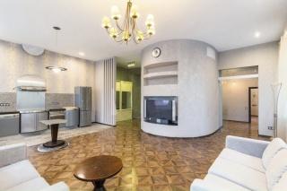 элегантная 2-комнатная квартира в аренду в центре Санкт-Петербурга