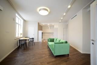 стильная 3-комнатная квартира в аренду в Петроградском районе Санкт-Петербурга