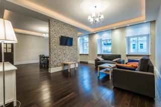 современная 4-комнатная квартира в аренду в самом центре Санкт-Петербурга