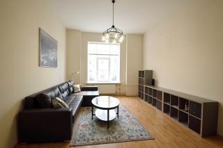 светлая 2-комнатная квартира в аренду в самом центре С-Петербурга