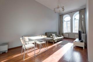 аренда стильной 2-комнатной квартиры в самом центре Санкт-Петербург