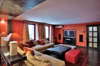 3-комнатная квартира с балконом в аренду в элитном доме в самом центре Санкт-Петербург