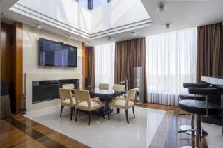 аренда 5-комнатной квартиры в элитном доме С-Петербург
