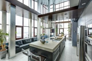 арендовать 6-комнатную квартиру в историческом центре СПБ