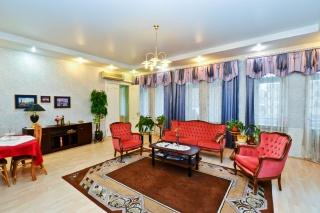 сниму элегантную 5-комнатную квартиру в Центральном районе СПБ