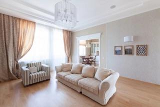 аренда 3-комнатной квартиры в элитном доме Санкт-Петербурга