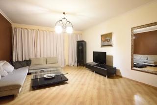 арендовать 3-комнатную квартиру в самом центре СПБ