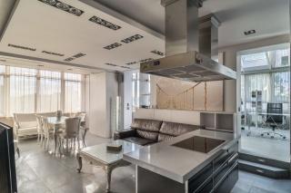 арендовать недвижимость с паркингом в Приморском районе Санкт-Петербург