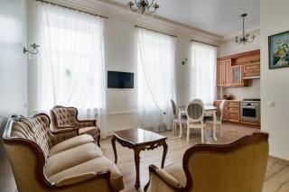 арендовать 5-комнатную квартиру на улице Рубинштейна Санкт-Петербург