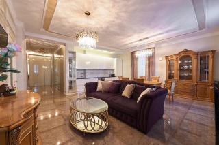 арендовать 4-комнатную квартиру в центре Санкт-Петербурга