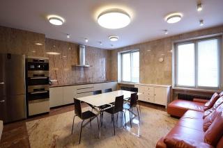 арендовать 5-комнатную квартиру в центре Санкт-Петербурга