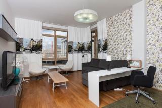 аренда квартиры с двумя лоджиями в элитном доме С-Петербург