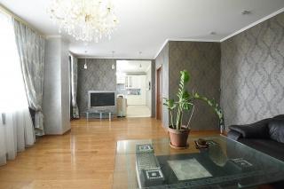 современная 3-комнатная квартира в аренду улица Матроса Железняка Санкт-Петербург