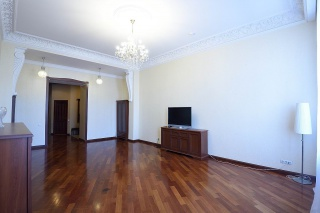 сниму 4-комнатную квартиру на набережной реки Фонтанки Санкт-Петербурга