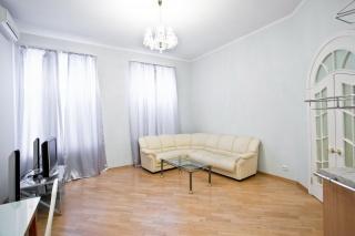 3-комнатная квартира в аренду в историческом центре Санкт-Петербурга