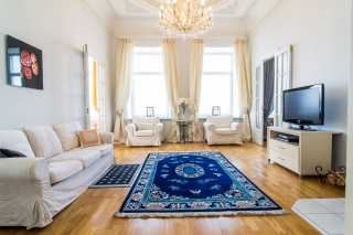 3-комнатная квартира в аренду в центре С-Петербург
